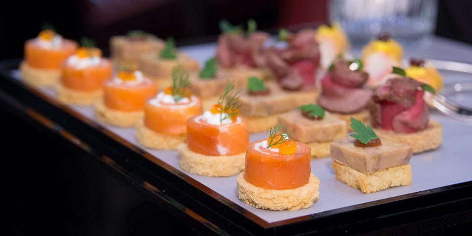 canape anchoas queso crema salmon ahumado